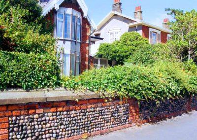 Garden wall, 17 and 18 East Beach