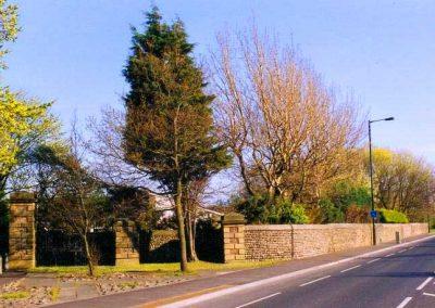 Cobbled Walls & Pebbled Pavements